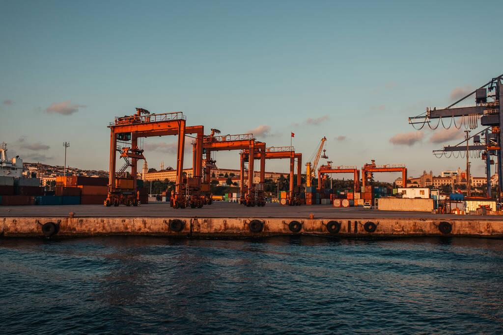 Professional marine contractors